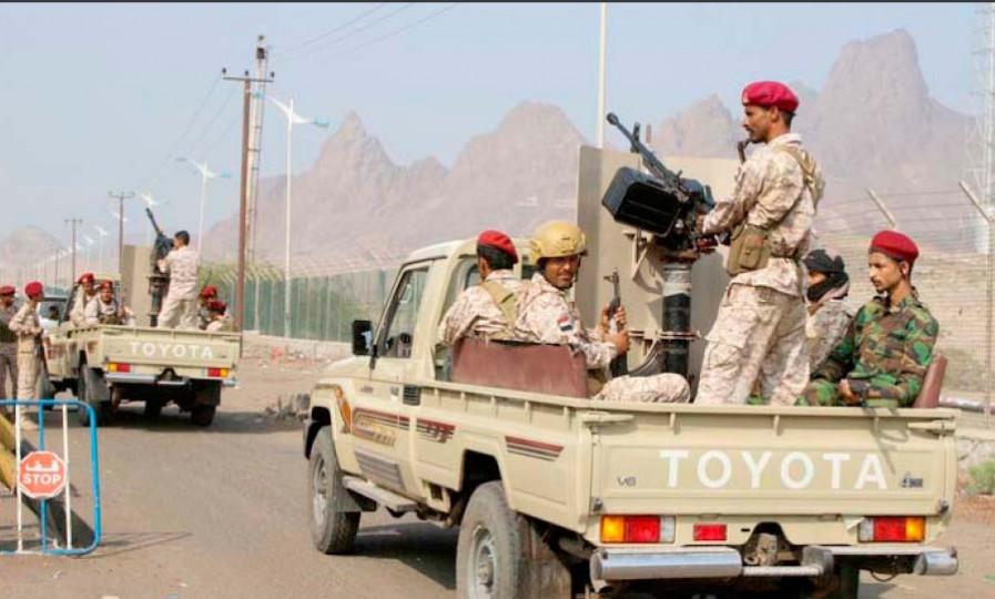 """اليمن.. قوات حكومية تعلن تحرير قائد عسكري من سجون """"الانتقالي"""""""