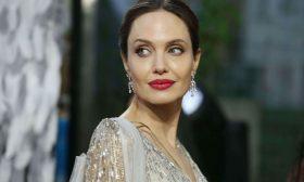 بعد غياب 3 أعوام أنجلينا جولي تعود إلى السينما بـ«تصرف غير منطقي»