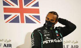 """لويس هاميلتون بطل العالم في """"فورمولا 1"""" يصاب بكورونا"""
