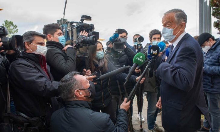 البرتغاليون يعيدون انتخاب رئيسهم وسط الإغلاق بسبب كوفيد-19