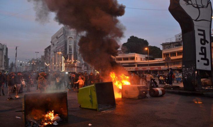 45 جريحاً حصيلة المواجهات بين محتجين وقوات الأمن في شمال لبنان – (صور وفيديو)