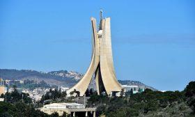 الجزائر: انتقادات واسعة لتقرير ستورا واتهامات له بالمساواة بين الضحية والجلاد