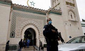 """ثلاث هيئات في المجلس الفرنسي للديانة الإسلامية ترفض توقيع """"شرعة المبادئ"""" حول الإسلام"""