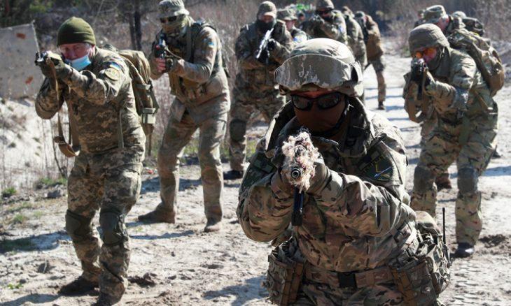 البيت الأبيض ينفي مزاعم تعليق واشنطن مساعداتٍ عسكرية لأوكرانيا