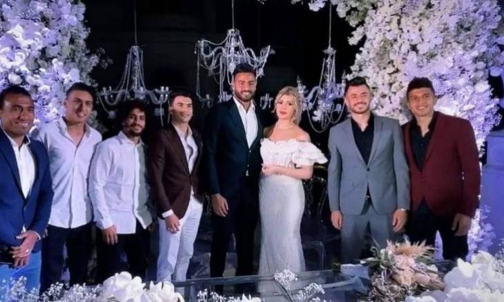 حارس الزمالك المصري أبو جبل يحتفل بعقد قرانه على ملكة جمال الجزائر
