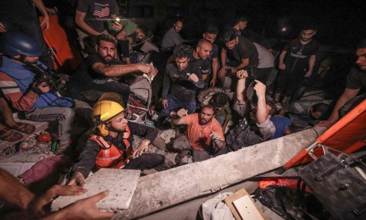 """غزة: 40 شهيدا في قصف إسرائيلي """"وحشي"""" دمّر منطقة سكنية على رؤوس ساكنيها- (صور)"""