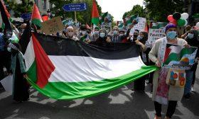 التظاهرات تعم إسبانيا تضامنا مع فلسطين وجريدة تتهم إسرائيل بالتلاعب بالصحافة الدولية للإيقاع بحماس