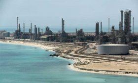 السعودية ستورد الشهر المقبل كامل إمدادات النفط المتعاقد عليها إلى أغلب المشترين الآسيويين