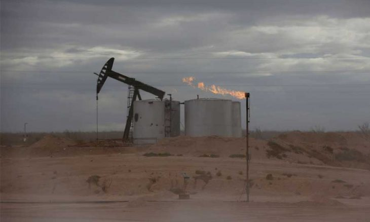 Oil rises on expectations of an increase in demand for crude in light of the rise in natural gas prices