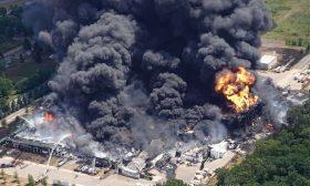 حريق ضخم يلتهم مصنعا كيميائيا أمريكيا- (شاهد)