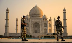 إعادة فتح مزار تاج محل الهندي الشهير بعد تخفيف قيود كورونا- (صور)