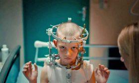 فيلم «تيتان» لجوليا دوكونو: جنون جامح لمعالجة الجراح النفسية