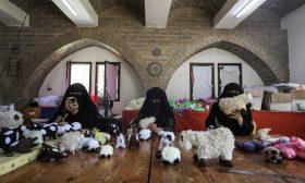 غزة.. دُمى العيد صناعة نسائية فلسطينية- (صور)
