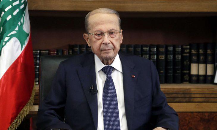 """أزمة لبنان.. عون يتمسك بالأمل والحريري يتهم """"البعض"""" بالتعنت"""