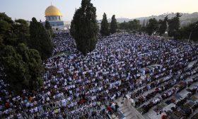 الأقصى يجمع أكثر من 100 ألف فلسطيني في عيد الأضحى
