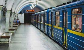 إعصار يغرق محطات مترو الأنفاق في كييف- (شاهد)