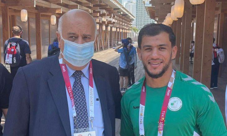 رئيس اللجنة الأولمبية الفلسطينية يلتقي لاعب الجودو الجزائري فتحي نورين ويثمن موقفه- (صور)