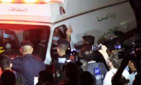 ذوو المرضى يتجمهرون أمام مستشفى في العاصمة الأردنية بعد وفاتين تزامنتا مع انقطاع التيار الكهربائي