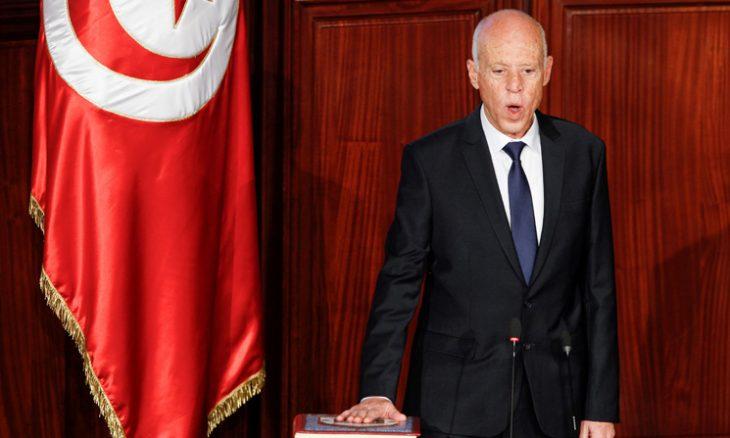الرئيس التونسي يقول إن 460 شخصاً نهبوا أموالا تونسية ويعرض تسوية جزائية إذا ردوها