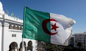 """الجزائر تسحب اعتماد قناة """"العربية"""" وتتهمها بـ""""التضليل"""""""