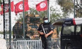 قوات الأمن التونسية تضع قاضيا تحت الإقامة الجبرية 40 يوما