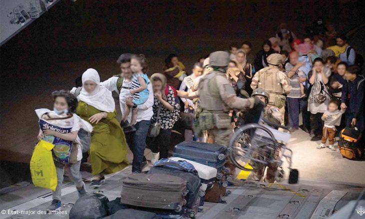 أفغانستان: تصعيد خطير يستهدف مطار كابول ويخلّف عشرات القتلى المدنيين و 12جنديا أمريكيا على الأقل  منذ 23 دقيقة أفغانستان: تصعيد خطير يستهدف مطار كابول ويخلّف عشرات القتلى المدنيين و 12جنديا أمريكيا على الأقل  طالبان-13-730x438