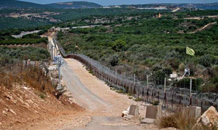 """إسرائيل تبدأ الأسبوع المقبل إقامة """"عائق"""" وتحصين مبان سكنية وعامة على الحدود مع لبنان"""