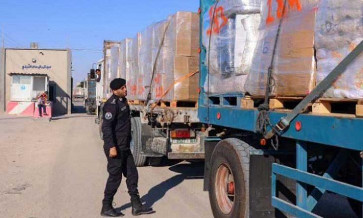 """إسرائيل تبتدع طرقا جديدة لمعاقبة اقتصاد غزة.. فرض قيود على """"عنق"""" الطماطم قبل التصدير"""