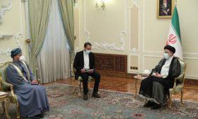 الرئيس الإيراني يلتقي وزير الخارجية العُماني في طهران بعد يوم من تنصيبه رئيساً للجمهورية