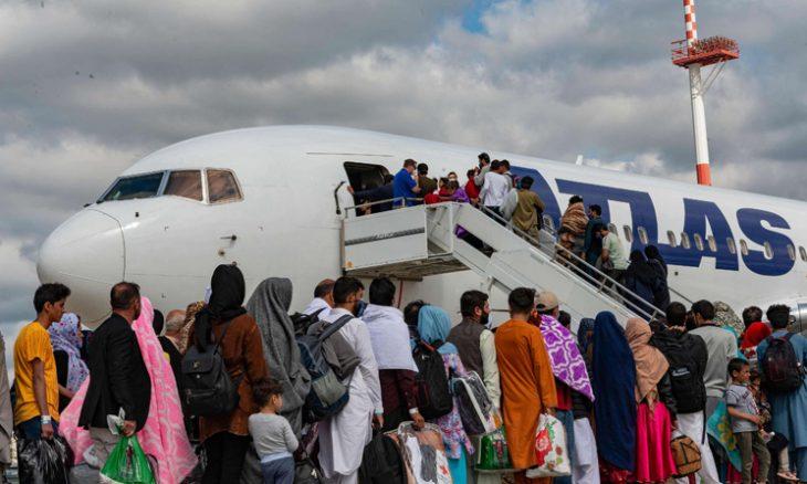 الولايات المتحدة وأستراليا تحذران من هجوم إرهابي وشيك قرب مطار كابول 20210825171251afpp-afp_9lm92j.h-730x438
