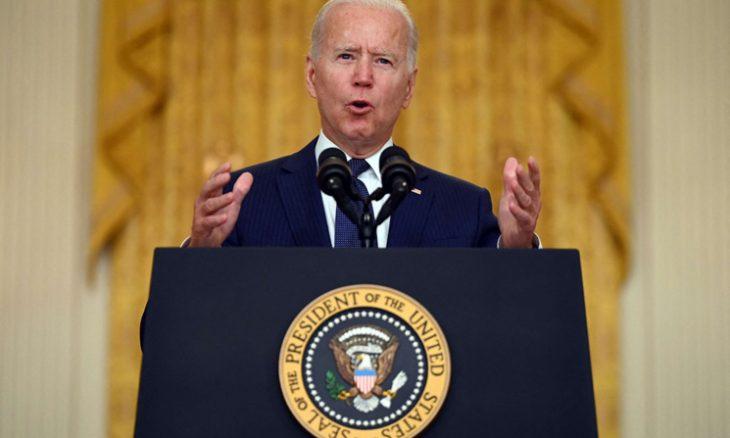 """بايدن متوعّداً منفّذي هجوم كابول: """"سنطاردكم ونجعلكم تدفعون الثمن""""- (فيديو) بايدن متوعّداً منفّذي هجوم كابول: """"سنطاردكم ونجعلكم تدفعون الثمن""""- (فيديو)  واشنطن- """"القدس العربي"""": أكد الرئيس الأمريكي جو بايدن أن الولايات المتحدة  448-730x438"""