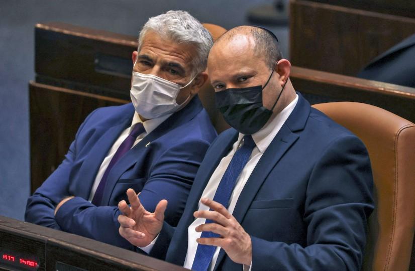 """هل تراهن حكومة بينيت على """"اعتدال"""" حماس بعد تسلمها حكم الضفة الغربية؟"""