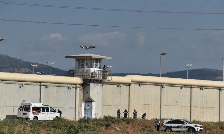 قوات إسرائيلية كبيرة تقتحم مدينة جنين وتعتقل آخر أسيرين فرّا من سجن جلبوع
