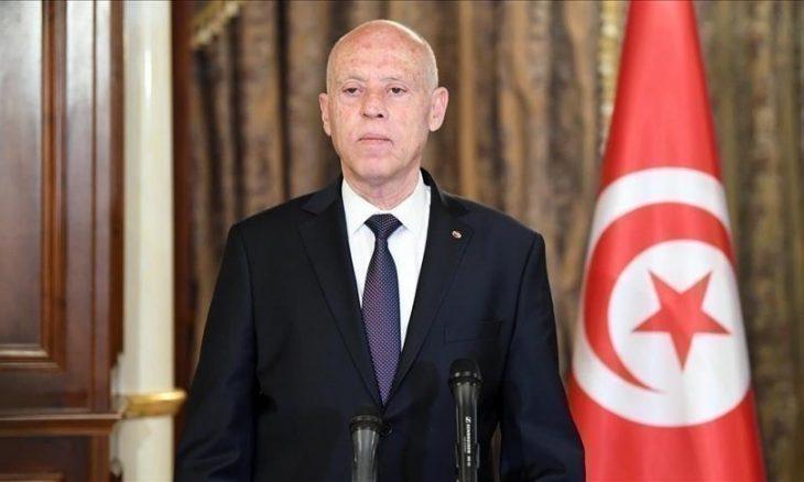 الرئيس التونسي يعطّل أغلب فصول الدستور.. والنهضة: خطوة أخرى نحو الديكتاتورية- (تدوينات)