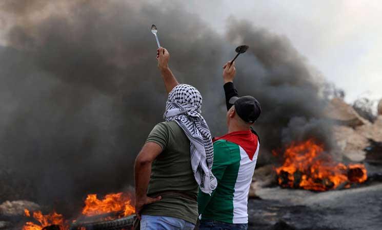 إصابة عشرات الفلسطينيين في مواجهات مع قوات الاحتلال في الخليل
