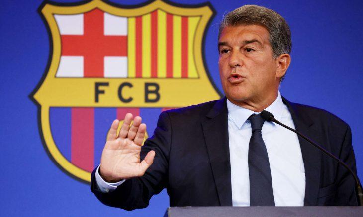 """رئيس برشلونة ينتهي من خطة """"طرد"""" كومان!"""