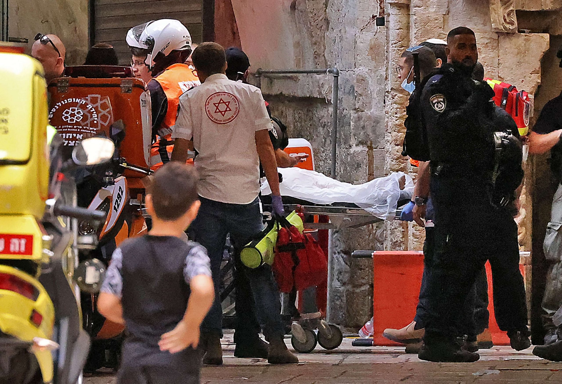استشهاد طبيب فلسطيني متأثرا بإصابته برصاص الشرطة الإسرائيلية في القدس- (صور وفيديو)