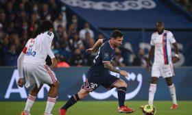 هدف إيكاردي في الوقت الضائع يمنح باريس سان جيرمان فوزا صعبا على ليون