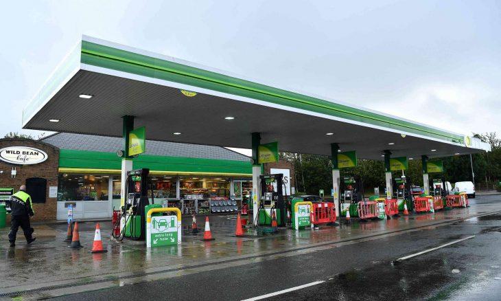 احتدام أزمة نقص الوقود في بريطاني