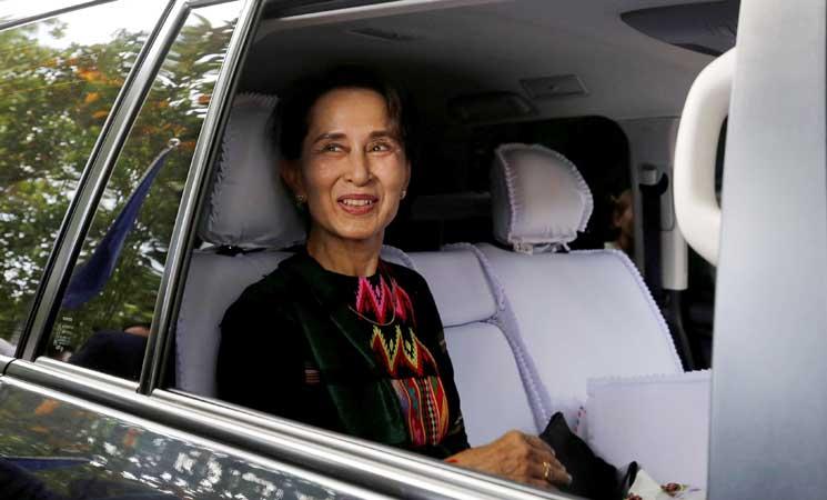 زعيمة ميانمار المعزولة سوتشي تغيب عن محاكمتها بسبب المرض