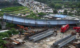 انهيار جزء من برج تحت الإنشاء في الهند- (صور)