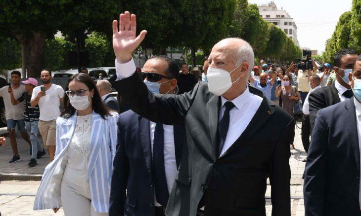 استعانة الرئيس التونسي بدستور بورقيبة تثير مخاوف حول عودة الديكتاتورية … ومنظمات حقوقية تحذر من تراجع الحريات