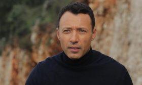 أحمد فهمي يحذّر من شخص ينتحل شخصيته- (فيديو)