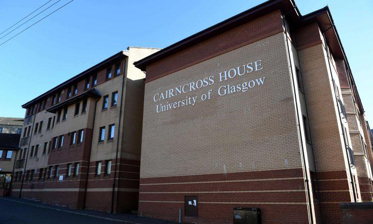 التايمز: أكاديميون يطالبون جامعة غلاسكو بسحب اعتذارها عن نشر ورقة علمية ناقشت التأثير الإسرائيلي في بريطانيا