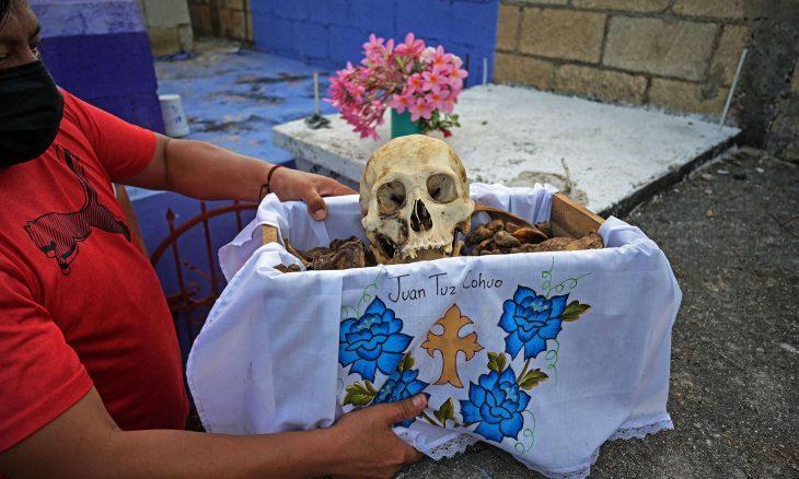 """مكسيكيون يستعدون للاحتفال بـ""""يوم الموتى""""- (صور)"""