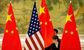 أمريكا والصين تعتزمان الإبقاء على الاتصالات بينهما مع استمرار التوترات التجارية