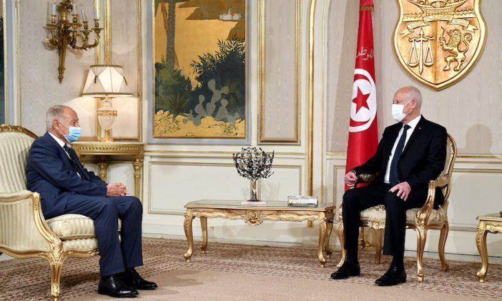 """أبو الغيط يشيد بـ""""إنجازات"""" سعيّد.. وتونسيون: محاولة فاشلة لتبييض الانقلاب- (فيديو)"""