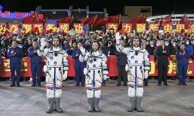 رواد فضاء صينيون يصلون إلى محطة تيانغونغ الفضائية- (صور وفيديو)