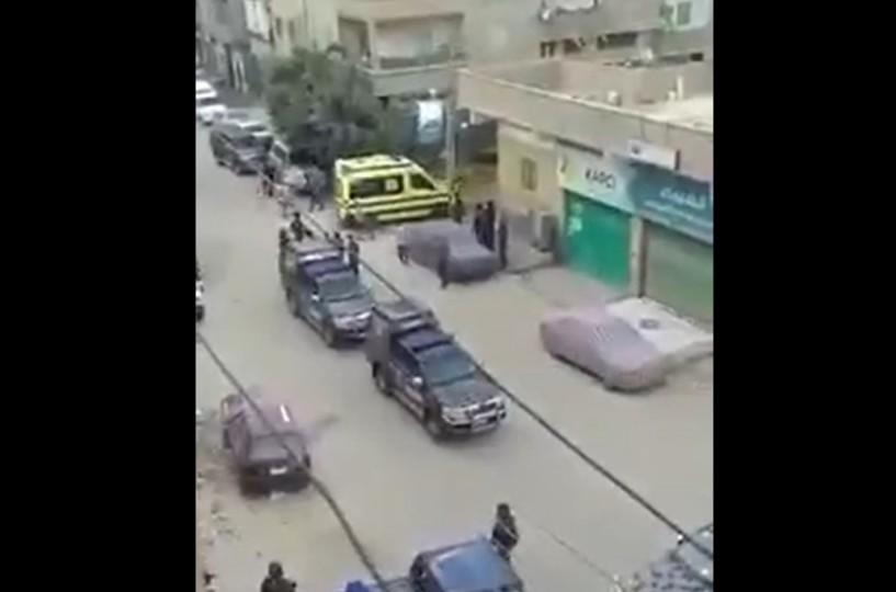 مسلح يفاجئ الشرطة المصرية ويقتل ضابطين بالرصاص- (شاهد)